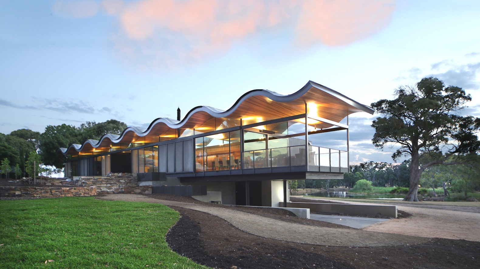 solar panel homes vs passive solar