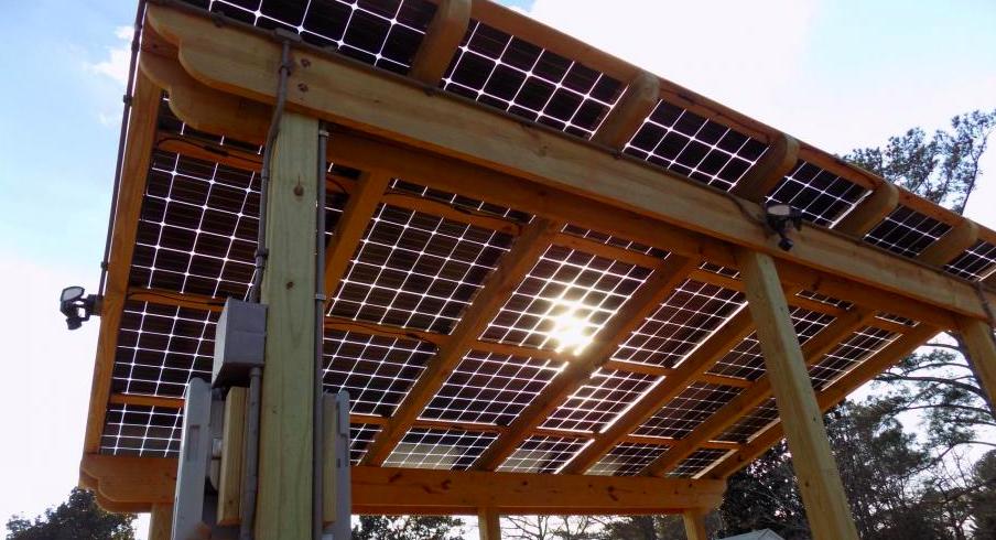 solar pergola with bifacial solar panels