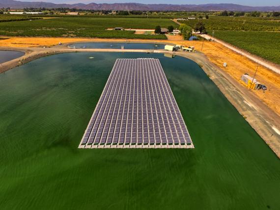 american floating solar array